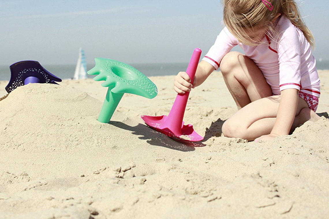 Best Beach Toys for Summer 2021